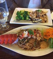 Alex Thai Food & Sushi Bistro