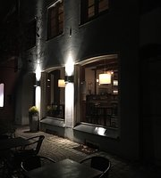 Cafe Bistro Bar Lenbach