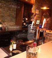Salute Italian Kitchen & Wine Bar