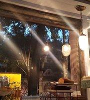 Los Amantes, Cafe & Bistro Coyoacán