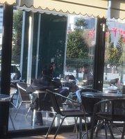 Cafe Mills