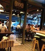 Moi Lounge Bar