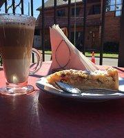 Brod Cafe Bistro