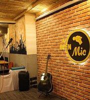 Mic & Munch