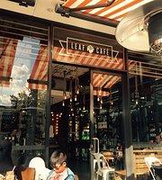 Leaf Cafe & Co