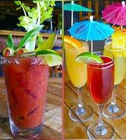Hula's Bar & Lei Stand