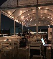 Phra Nakorn Bar and Gallery