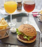 Alfama Wine & Burgers