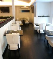 Delhiite Bar & Grill