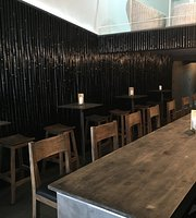 VIZZ Cafe & Bar