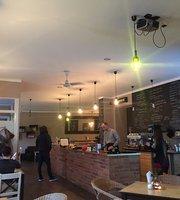Misz Masz Cafe