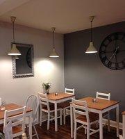 Oliver's Cafe