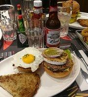 Le QG, Le repere du burger