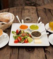 Zarowka Cafe