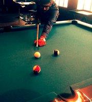 Underdoggs Sports Bar & Grill