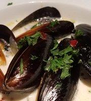 Schooner's Seafood Grill