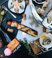 Oysters Cava Bar