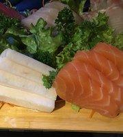 inari sushi bar