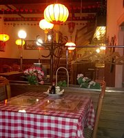 Kiinalainen Ravintola - Chinese Restaurant