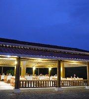 El Lugar Gourmet Restaurant