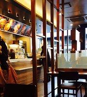 Cafe de Crie Nara Sanjotori