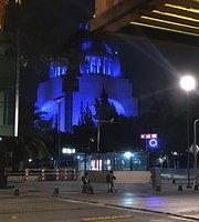 La Parrillita Monumento a la Revolucion