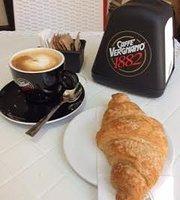 L'Amico Caffe