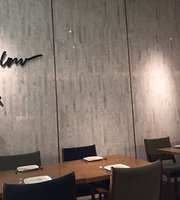 Mellow Restaurant & Bar - The Emquartier