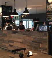 Moeller Coffee & Kitchen