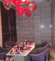 S&H Chocolate lounge