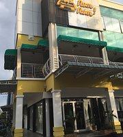 NomNom Restaurant