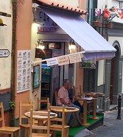 Frankie's Bar