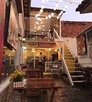 Moka Literária Waffle & Café