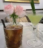 Globe Bar & Brasserie