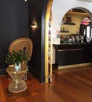 Suriya Thai Lounge Bar