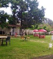 Maembe Cafe & Lounge