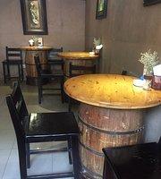 Quán Ha Noi Tropical Cafe