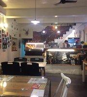 Busu Cafe