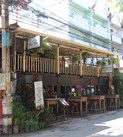 Doo Dee Restaurant & Bar
