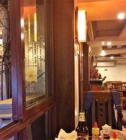 Buon Dua Le Cafe & Restaurant