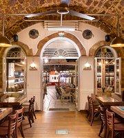 Aroma Restaurant & Bar
