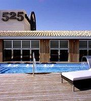 525 Hotel