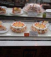 Deli France Ochanomizu Cafe Bakery