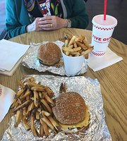 ‪Five Guys Burgers & Fries‬