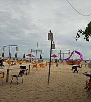 Cormaran Beach Club