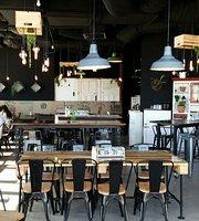 Lot Six Zero Eatery & Expresso Bar
