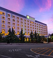 Holiday Inn Athens Attica Avenue Airport West
