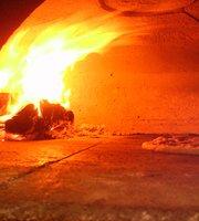 Savage's Wood Burning Pizzeria