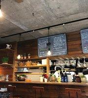 Cafe Hakuta