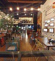 Mak Semarangan Resto-Gallery-Coffee